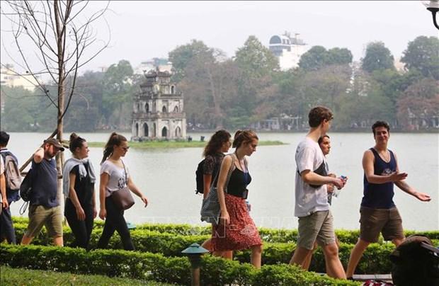 河内市力争2025年实现游客接待量3500到3900万人次 hinh anh 1