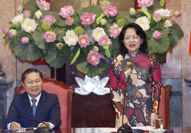 邓氏玉盛副主席会见全国优秀职业培训中心的学生代表团 hinh anh 2