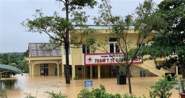 政府总理发布通知要求全力应对中部地区暴雨洪涝灾害 hinh anh 2