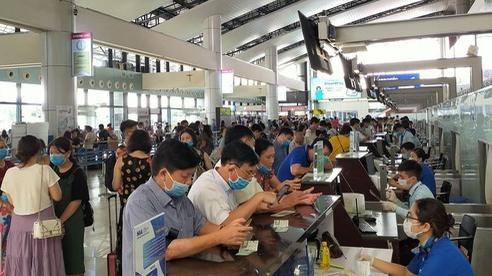 越南国家航空公司增加航班,为遭受第六号台风影响的乘客提供服务 hinh anh 2