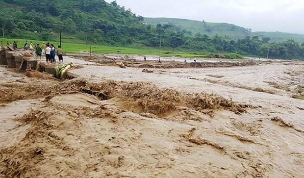 中部暴雨洪涝灾害致使84人死亡 38人失踪 hinh anh 2