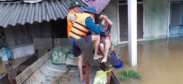 老挝、泰国领导就越南中部洪灾致慰问电 hinh anh 1