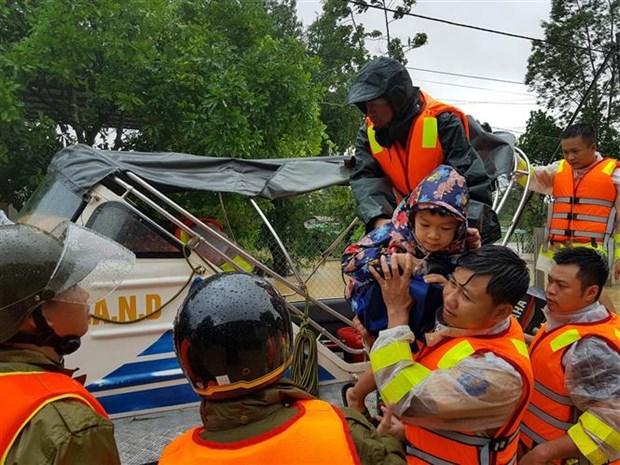 越南政府总理决定发放4000吨大米援助中部灾民 hinh anh 1