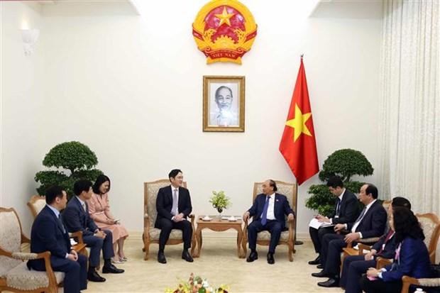 越南政府总理阮春福会见三星集团副总裁李在镕 hinh anh 1