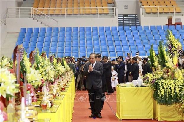 在广治省向化县山体滑坡事件中牺牲的22名干部战士吊唁仪式和追悼会隆重举行 hinh anh 2