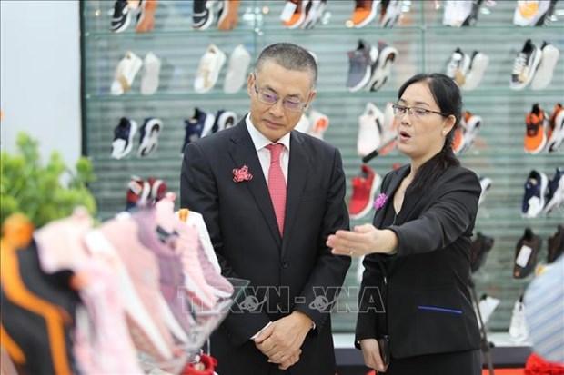 越南商品赢得柬埔寨消费者的信任 hinh anh 1