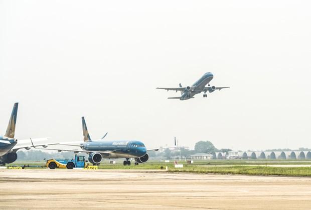 应对第九号台风:各家航空公司继续调整28日的航班执行计划 hinh anh 1