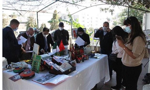 纪念越南与阿尔及利亚建交58周年图片展在阿尔及利亚举行 hinh anh 2