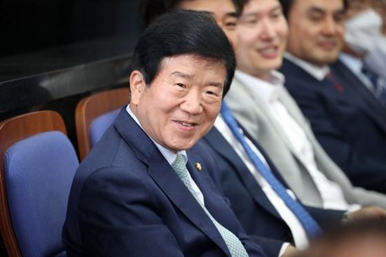 韩国国会议长朴炳锡访越之旅是双方关系密切的体现 hinh anh 1