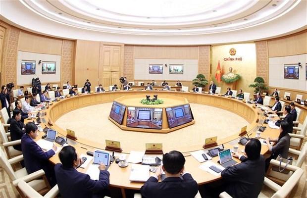 阮春福总理: 多努力一倍甚至两倍 致力提高劳动生产率 弥补中部地区人民遇到的损失 hinh anh 2