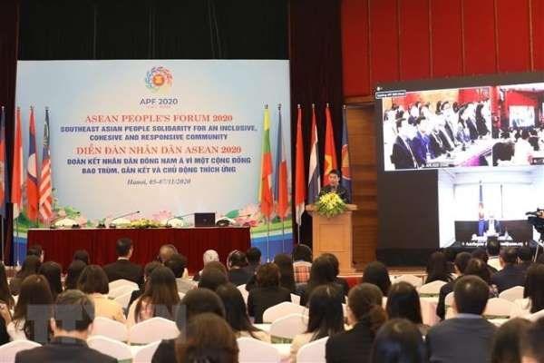 2020东盟主席年:东盟人民论坛展示东盟人民齐心协力、包容性与主动适应精神 hinh anh 1