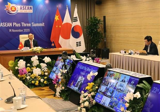 政府总理阮春福主持召开第23次东盟与中日韩领导人会议 hinh anh 1