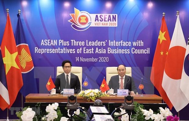 东盟与中日韩领导人与东亚商务理事会代表举行对话 hinh anh 1