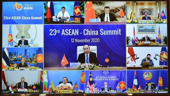 ASEAN 2020:疫情背景下东盟与中国贸易往来仍在增加 hinh anh 1