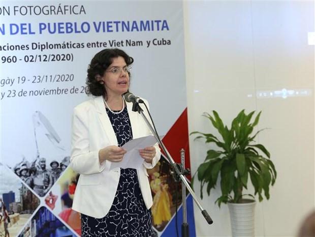 """令人印象深刻的""""越南人民心中的古巴""""摄影展在河内开展 hinh anh 2"""