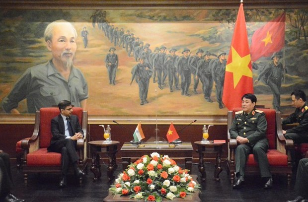 越南人民军总政治局主任会见印度驻越大使 hinh anh 1
