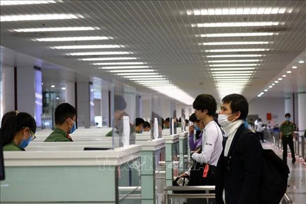 越南航空局要求在新形势下严格实施隔离和防疫措施 hinh anh 1