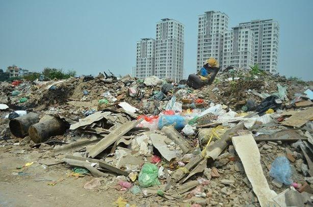 越南政府总理发布有关加强固体废物管理的紧急指示 hinh anh 1