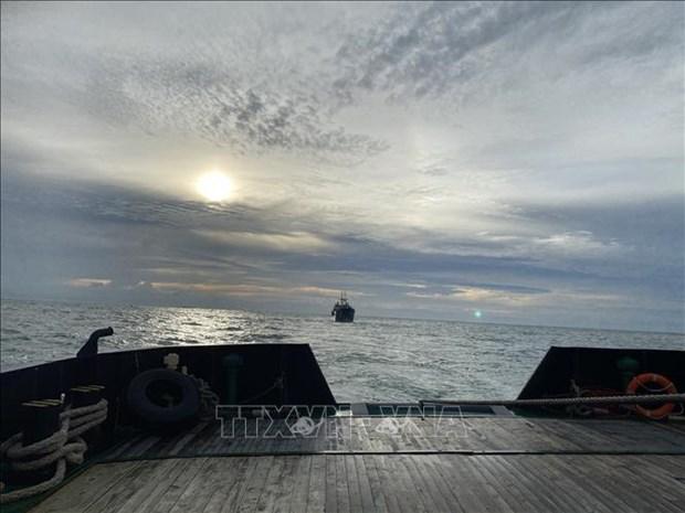 越南海军189潜艇旅成功营救在海上遇险的俄罗斯苏克尔货船 hinh anh 1
