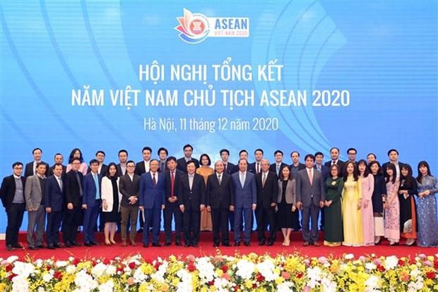 越南政府总理阮春福出席2020年东盟国家委员会总结会议 hinh anh 1