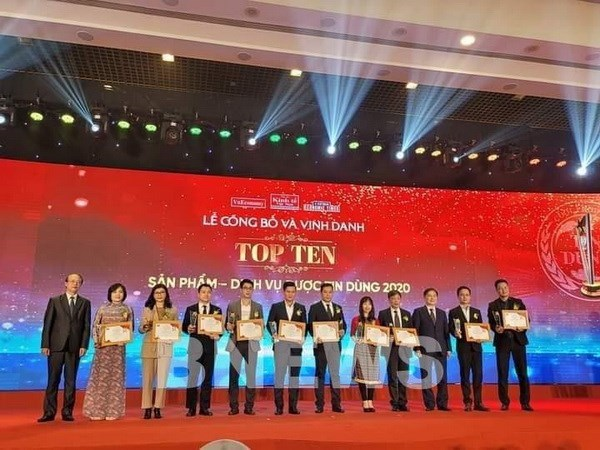 2020年越南产品和服务100强获表彰 hinh anh 1