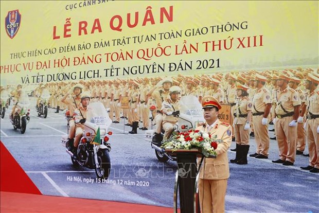 越南交警确保越共十三大期间的交通有序和安全 hinh anh 1