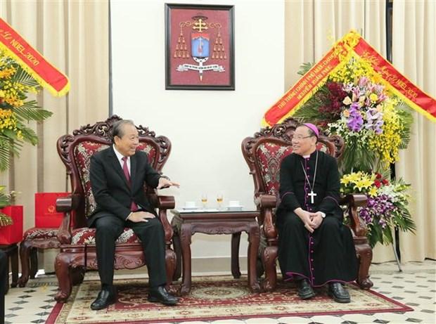政府常务副总理张和平圣诞节前走访慰问宗教界人士 hinh anh 1