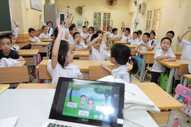 从小学习英语——越南学生获本地英语赞赏 hinh anh 1