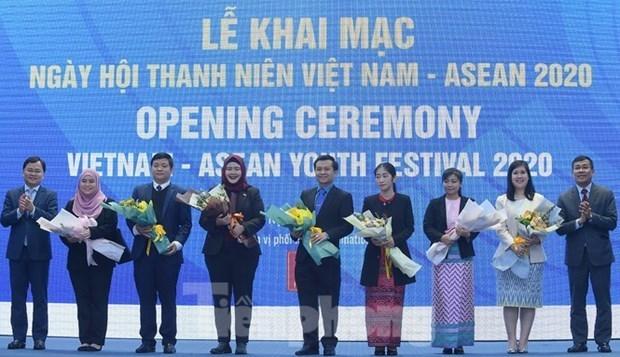 2020年越南-东盟青年日活动正式开幕 hinh anh 2