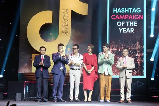 2020年越南抖音大奖获奖名单揭晓 越通社抖音账号Factcheckvn获得社会影响力奖 hinh anh 3