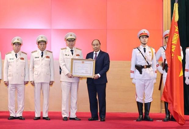 政府总理阮春福:努力把反腐败工作作得更好、更有成效 hinh anh 1