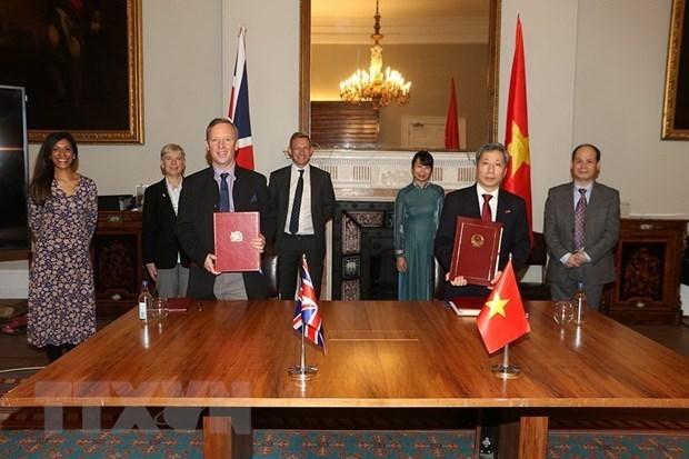 英国首相亚太事务国务大臣:UKVFTA开辟英越关系更美好未来 hinh anh 1