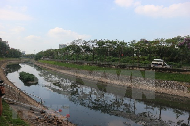 河内市拟将引红河水补给苏历河 努力处理苏历河水严重污染问题 hinh anh 1