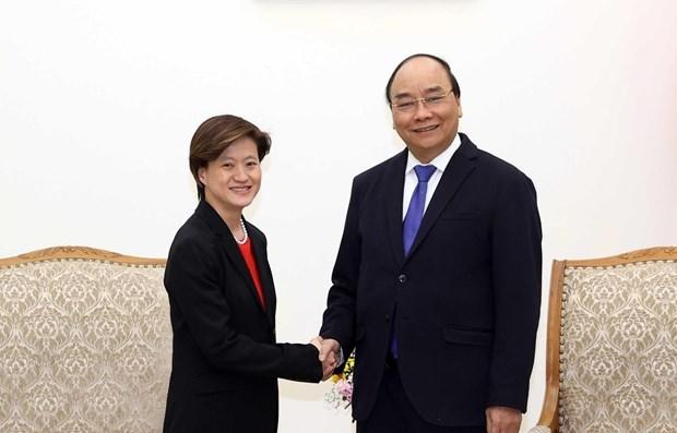 越南政府总理阮春福会见新加坡驻越大使 hinh anh 1