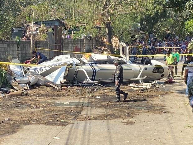菲律宾一军用直升机坠毁7人死亡 hinh anh 1