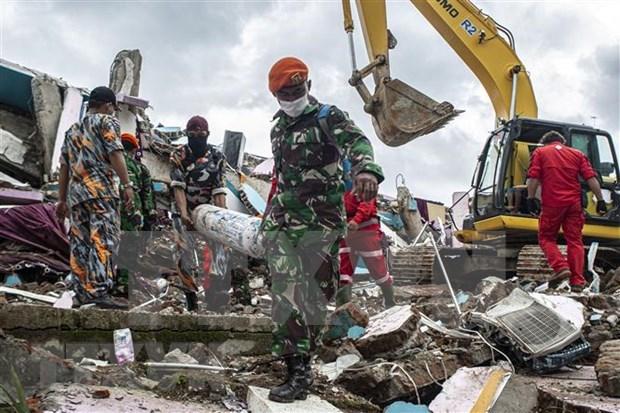 阮春福就印尼发生强烈地震和一客机坠毁向印尼总统致慰问电 hinh anh 1
