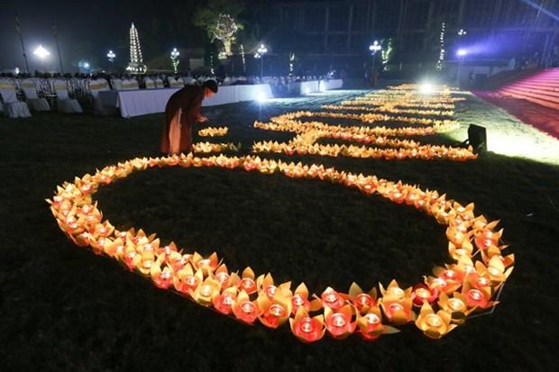 越南佛教学院举行佛祖得道日纪念仪式暨祈求国泰民安仪式 hinh anh 2