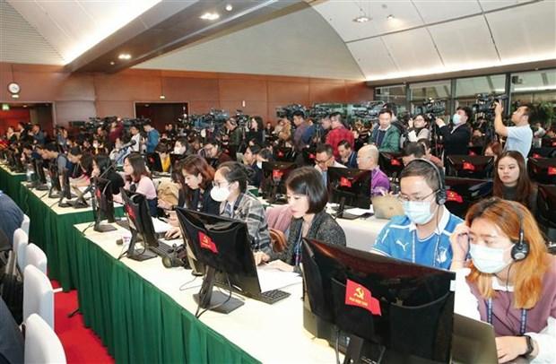代表全国510多万名党员的1587名代表出席出席越共十三大 hinh anh 3