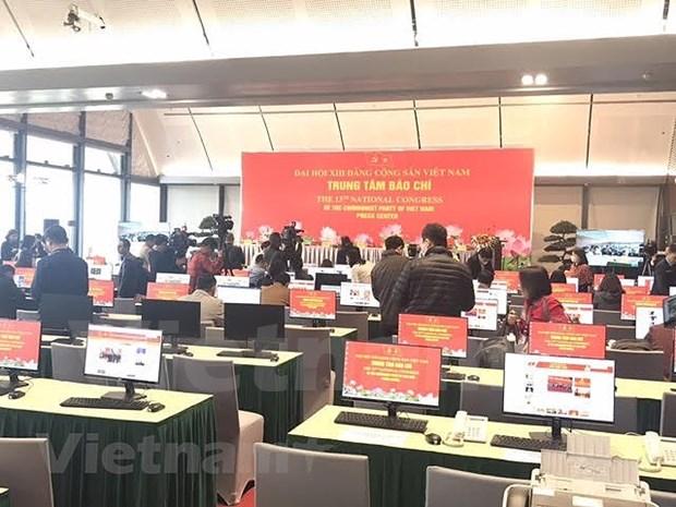 200多家新闻单位的记者直接参加报道越共十三大 hinh anh 2
