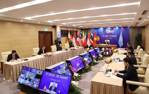 越共十三大:俄罗斯卫星通讯社高度评价越南实施革新35年来所取得的成果 hinh anh 4
