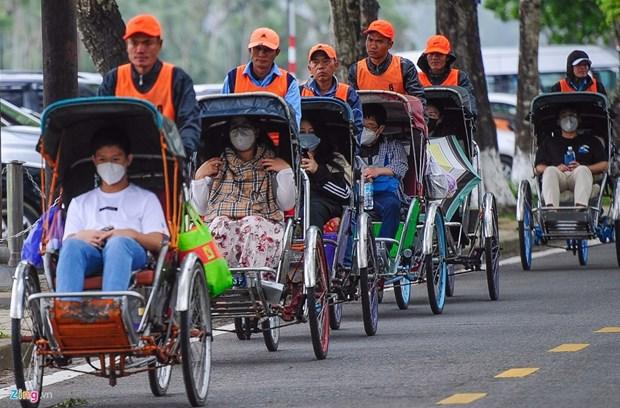 2021年越南旅游业团结一致克服种种困难 hinh anh 1