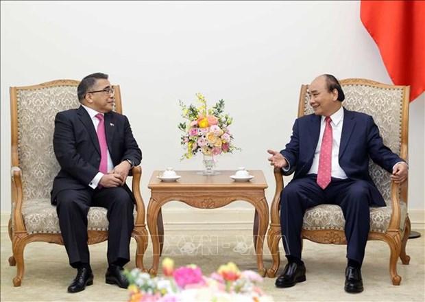 越南政府总理阮春福会见菲律宾驻越南大使 hinh anh 2