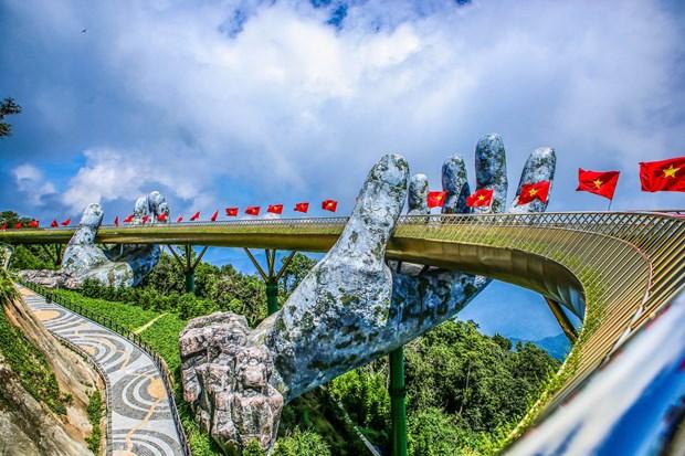 """岘港市金桥被列入""""世界新奇迹""""名单 hinh anh 1"""