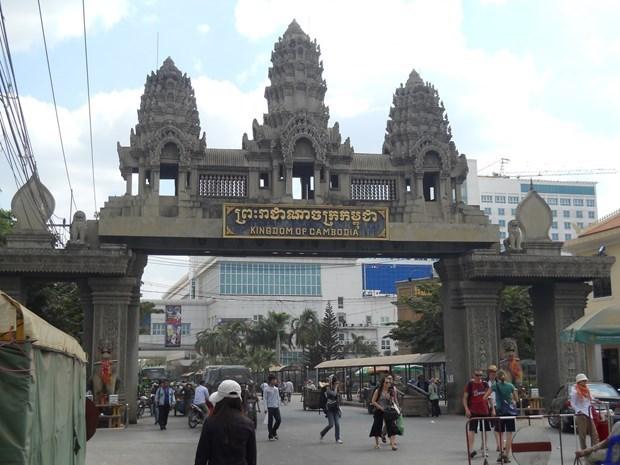 柬埔寨和东盟其他国家承诺在新冠疫情背景下提升地区交通能力 hinh anh 1