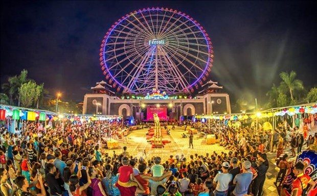 """夜间经济""""点亮""""岘港旅游业:撬动绿色经济的杠杆 hinh anh 2"""