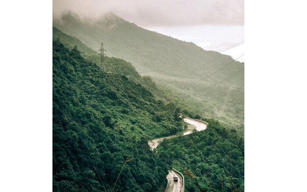 """""""云中之路"""" 被评为世界上最美的观光道路 hinh anh 1"""