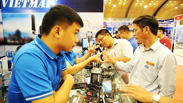 """实现经济数字化的途径:迈向""""Make in Vietnam""""目标 hinh anh 1"""