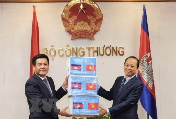 促进越南与柬埔寨的贸易、工业和能源合作 hinh anh 1