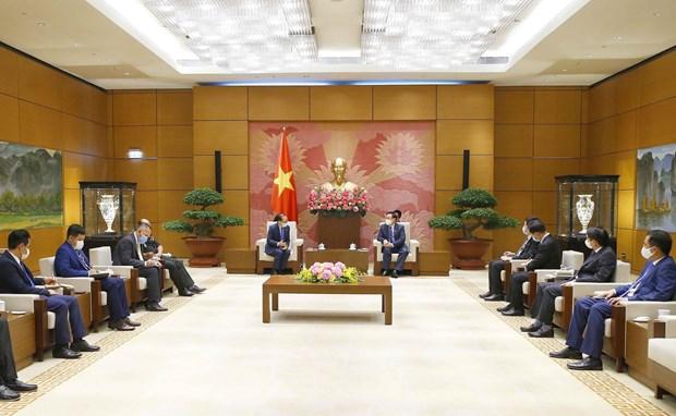 国会主席王廷惠会见柬埔寨驻越南大使查伊·纳芙斯 hinh anh 2