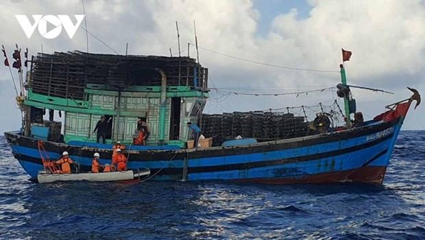 菲律宾不承认中国在东海实施的禁渔令 hinh anh 1